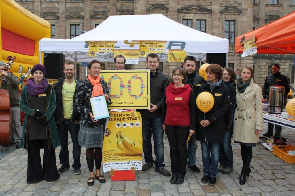 die erlanger feiern ihren titel 100ste fairtrade stadt fair fairtrade deutschland. Black Bedroom Furniture Sets. Home Design Ideas