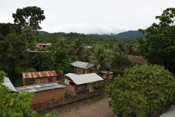 Mit Krediten von Oikocredit und dank stabiler Einnahmen aus dem Fairen Handel baut El Ceibo Anlagen um ihren Kakao selbst weiterzuverarbeitet.