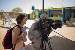 Claudia Brück mit Kamerateam