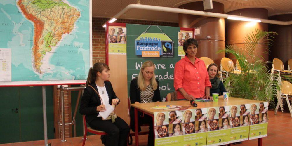 Besuch der ersten Fairtrade-School